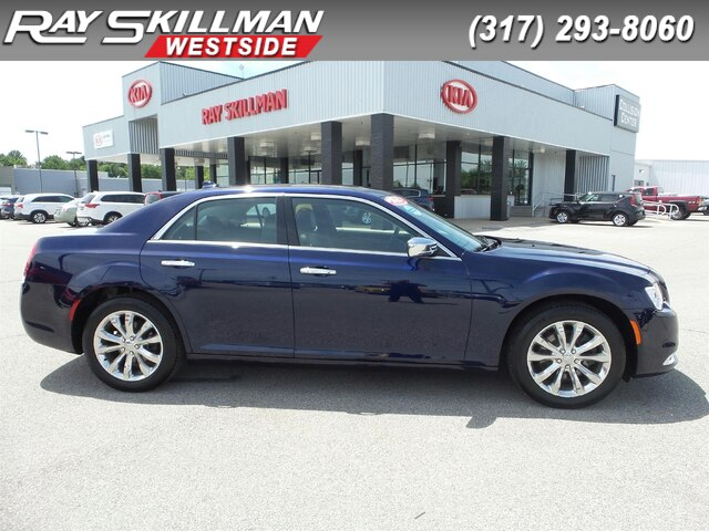 Pre-Owned 2016 Chrysler 300C NAV,PANO ROOF