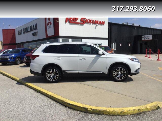Pre-Owned 2017 Mitsubishi Outlander SEL