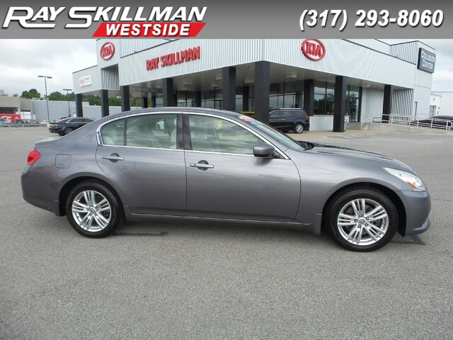 Pre-Owned 2011 INFINITI G37x MOONROOF