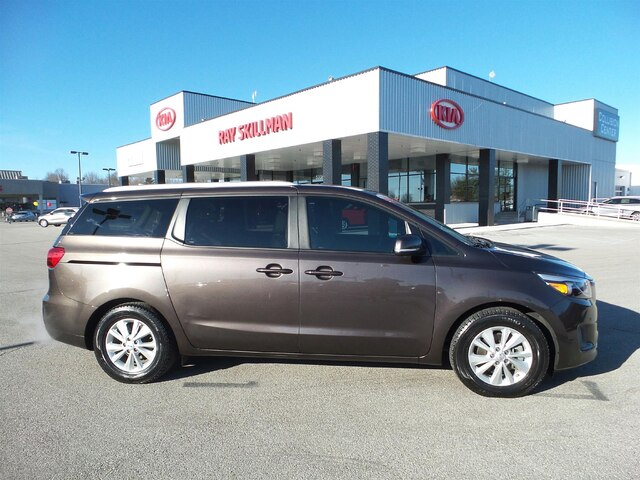Pre-Owned 2018 Kia Sedona LX + ESSENTIALS